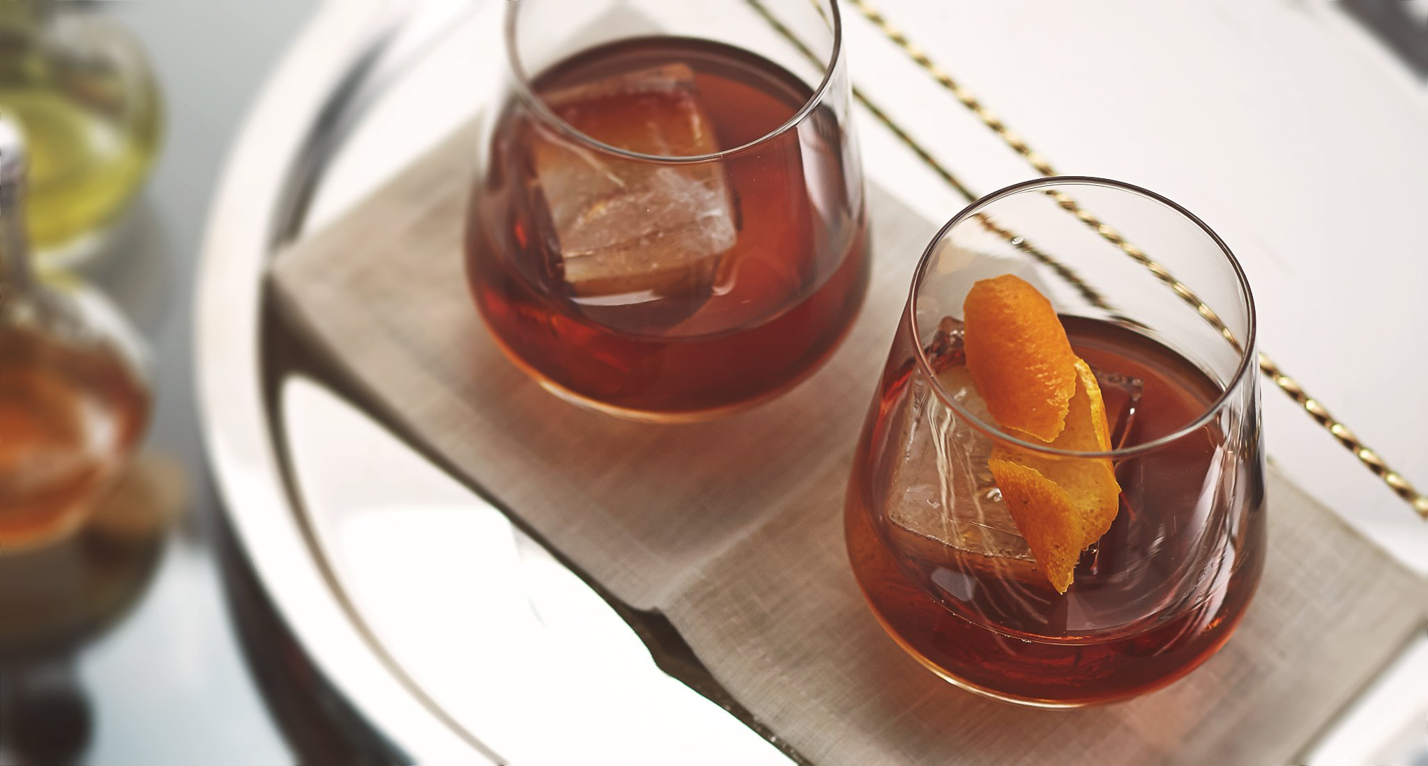 old fashioned recipe classic whiskey cocktails bulleit